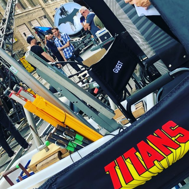 Titans - Bat-sygnał na planie